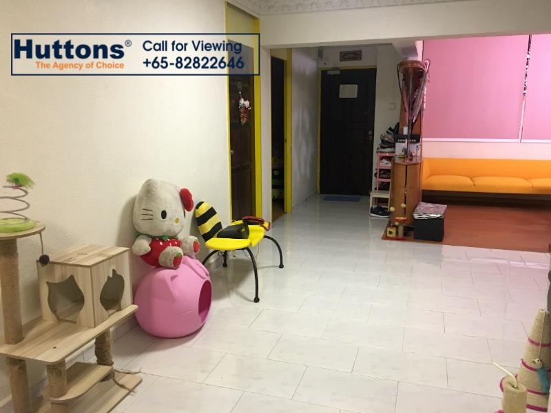 5 room hdb flat for sale 3 bedrooms 570501 d20 sgla32470785