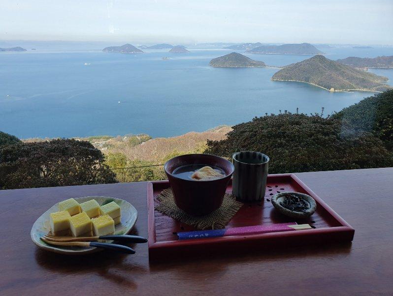 酸梅仔 Food & Travel Experiences